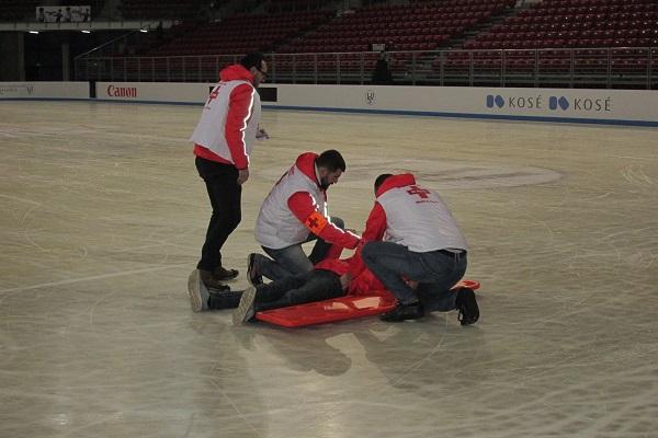 """Столичната """"Св. Анна"""" отговаря за здравето на участниците в Световното първенство по фигурно пързаляне за юноши и девойки"""