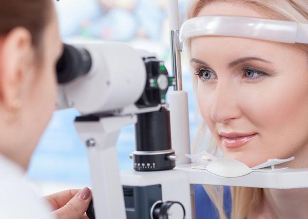 Безплатни очни прегледи се провеждат във ВМА