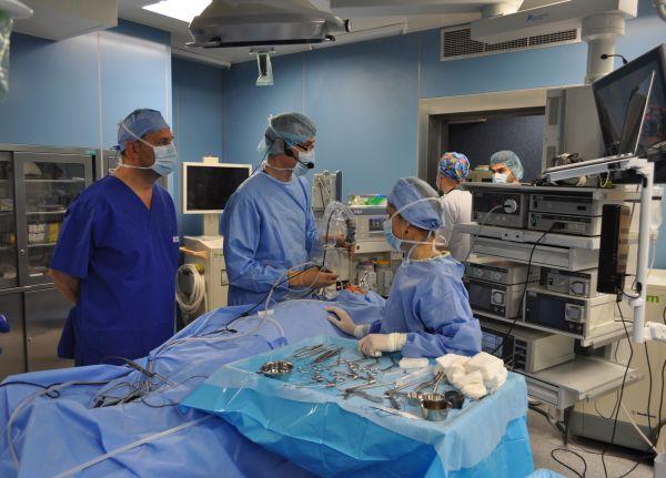 """18 УНГ лекари и специализанти преминаха курс по ендоназална хирургия в УМБАЛ """"Свети Георги"""""""