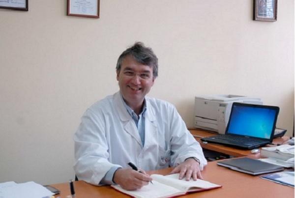 """Проф. Лъчезар Трайков с приз """"Медик на годината 2017"""""""
