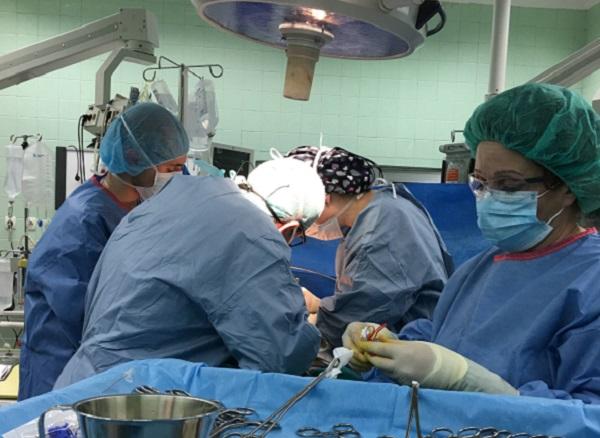 Специалистите от ВМА трансплантираха черен дроб на жена