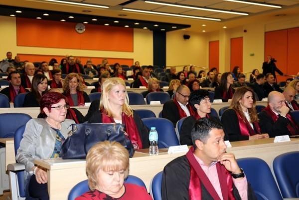 115 специализанти от МУ-Пловдив получиха Свидетелства за призната специалност