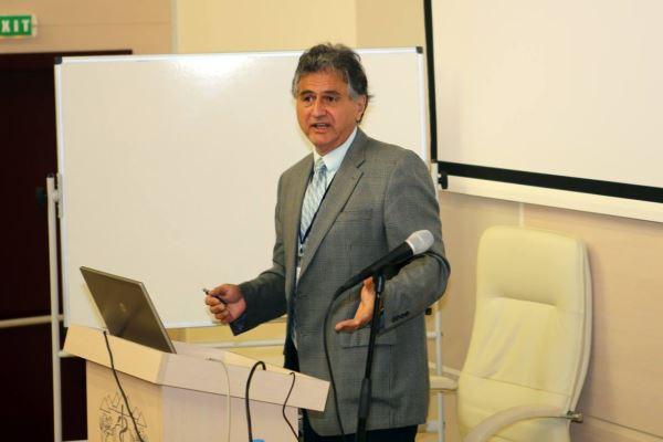 Американски учен от български произход получи престижна титла от МУ-Пловдив