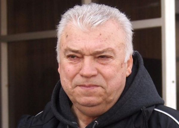 "Христо Бонев дари 100 кашона с лакомства за пациентите на УМБАЛ ""Свети Георги"""