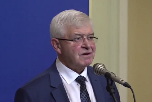Министър Ананиев представя концепцията си за реформа пред управляващите