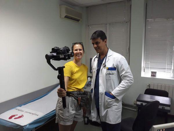 """Лекар от УМБАЛ """"Св. Анна"""" избран за международен филм за медици-роми"""