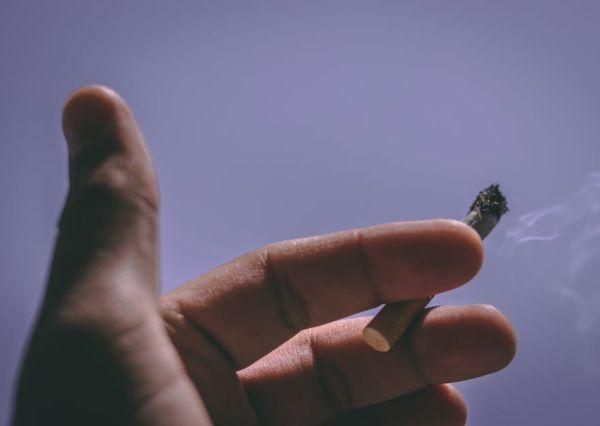 Парламентът ще разгледа предложената от Валери Симеонов либерализация на тютюнопушенето