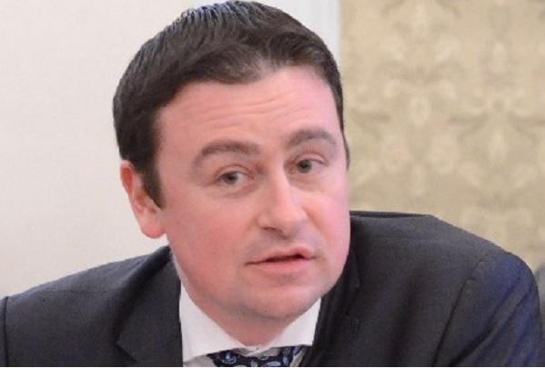 Деян Денев: Абдикирането на НЗОК от скъпоструващата терапия не бива да се случва