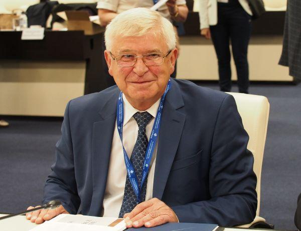 Министър Ананиев: Ангажимент на всички нас е да работим за реабилитирането на доверието между лекар и пациент