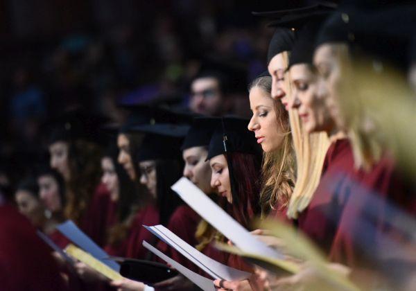 174 здравни професионалисти от 8 специалности се дипломираха в Медицински колеж - Варна