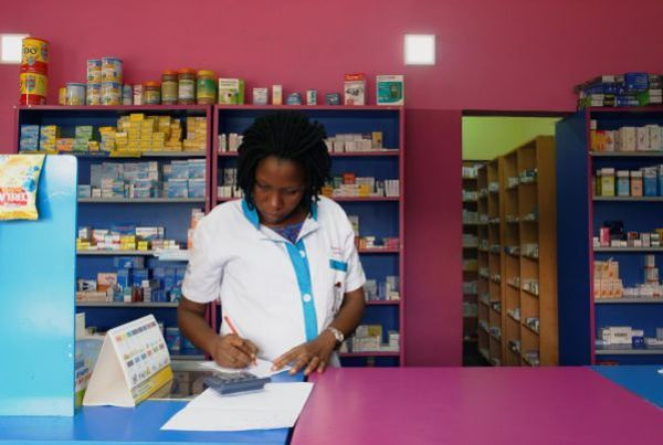 Десетки хиляди умират в Африка заради фалшиви лекарства