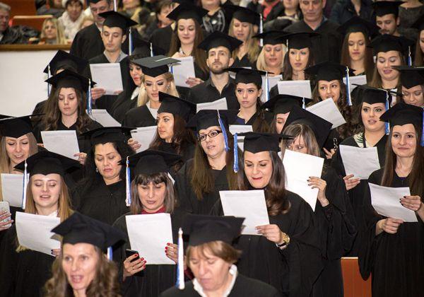 Дипломираха се 243 възпитаници на Медицински колеж към МУ-София