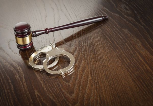 Председателят на ТЕЛК в Ловеч задържан за 72 часа за получаване на подкупи