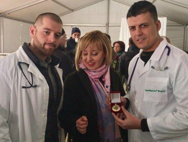 """Двама млади кардиолози от """"Св. Анна"""" участваха в безплатните прегледи на социално слаби"""
