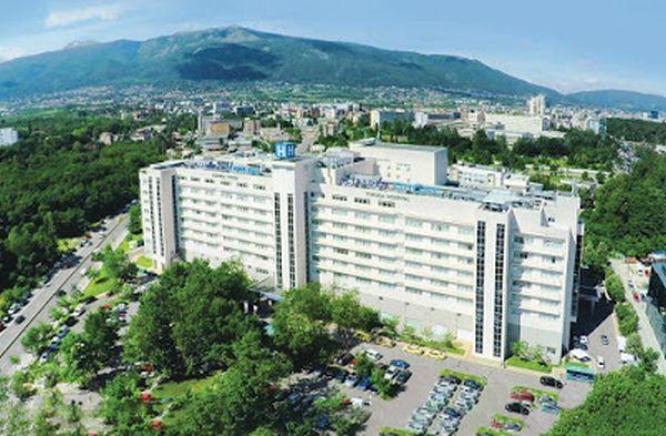 Аджъбадем се отказва да продава болниците в България