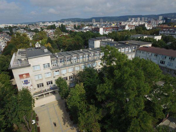 """Студенти от МУ-Варна организират кампания """"Усмивка за цял живот"""""""