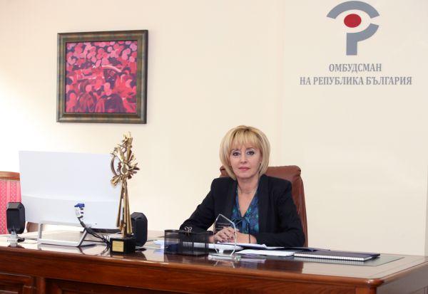 Мая Манолова: Спрете натиска върху протестиращите медици