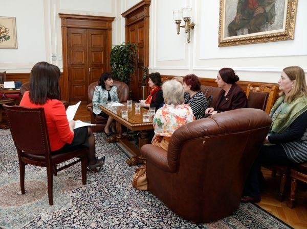 БАПЗГ на среща с Караянчева  и Дариткова