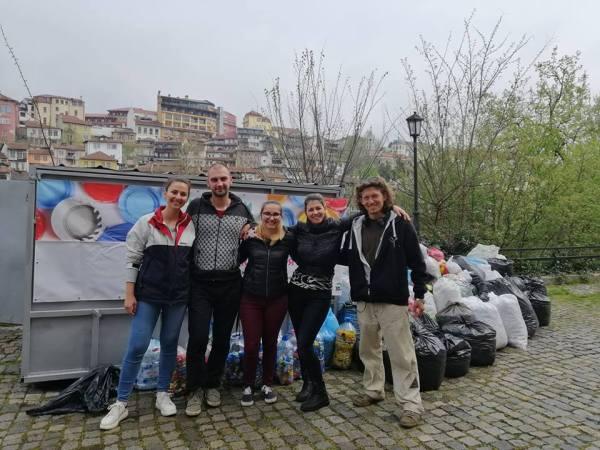 """Хиляди българи се включиха в кампанията """"Капачки за бъдеще"""""""