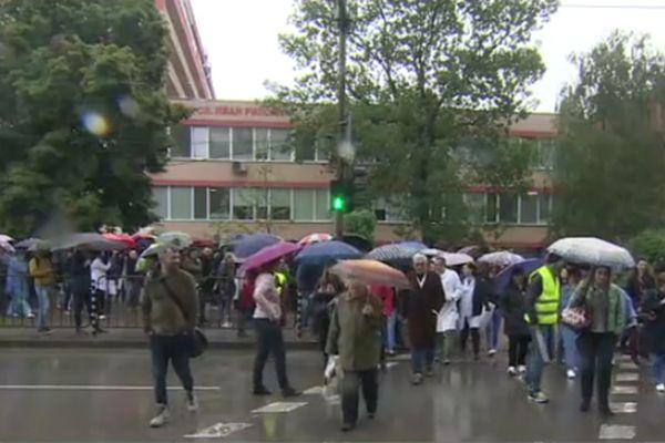 Педиатрите блокираха бул.