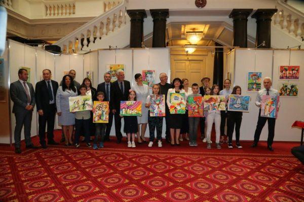 Деца рисуват като алтернатива на употребата на психоактивни вещества