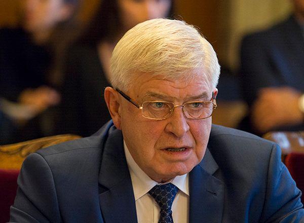 Министърът продължава с представянето на методиката за заплатите